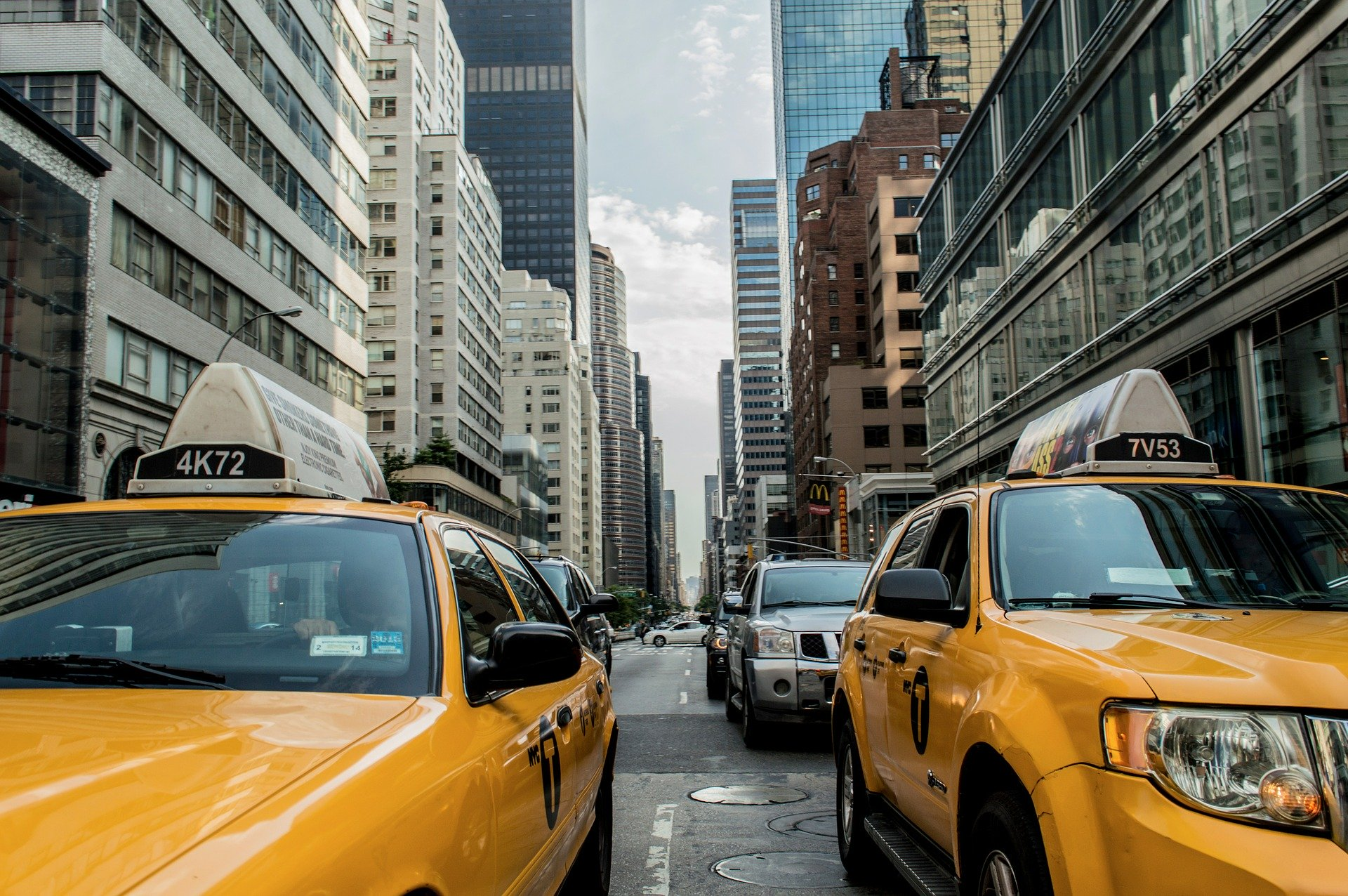 как пожаловаться на яндекс такси